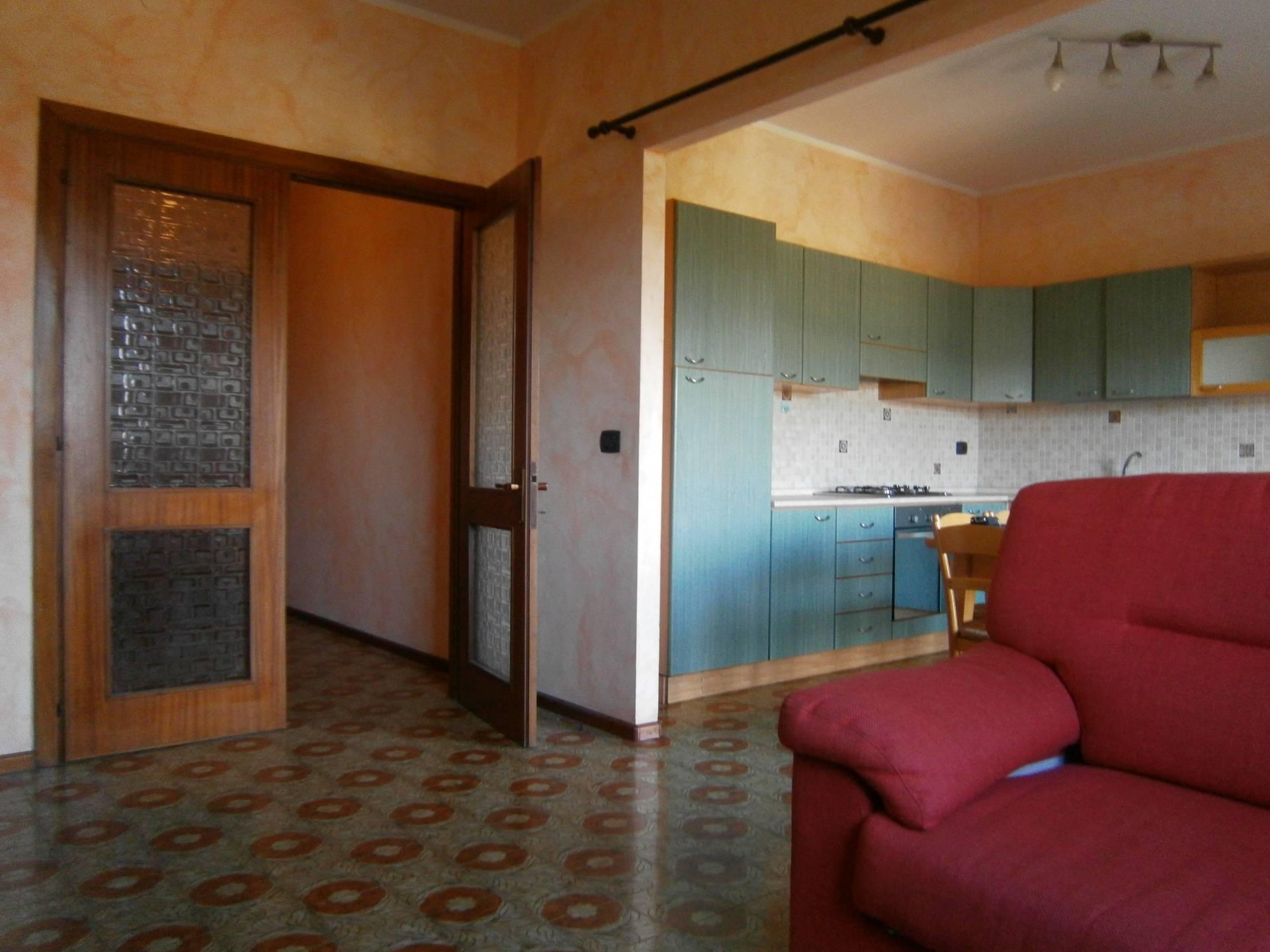Appartamento in affitto a Cagliari, 4 locali, zona Zona: Genneruxi, prezzo € 650 | Cambio Casa.it