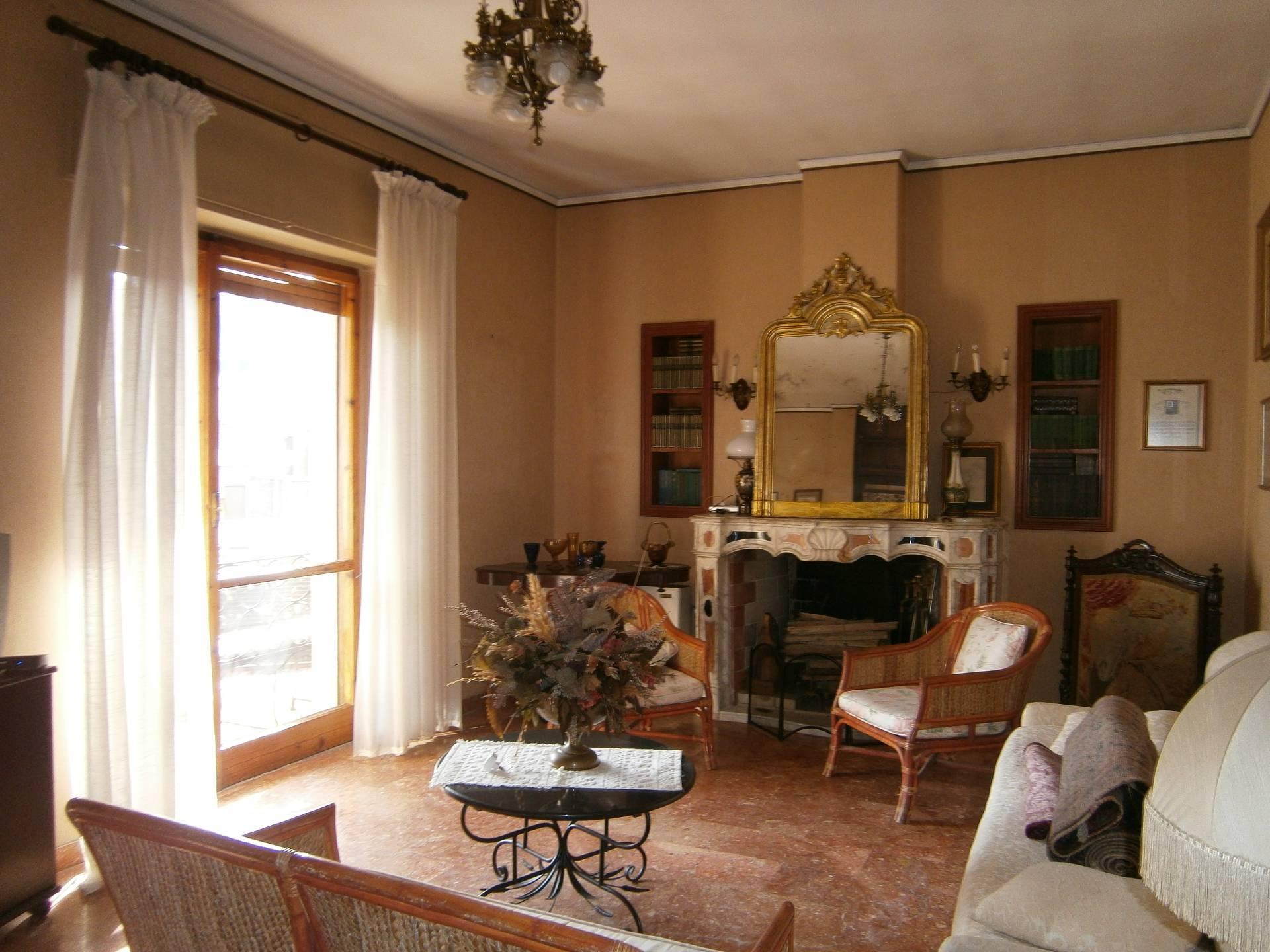 Appartamento in affitto a Cagliari, 4 locali, zona Località: MonteUrpinu, prezzo € 750 | Cambio Casa.it