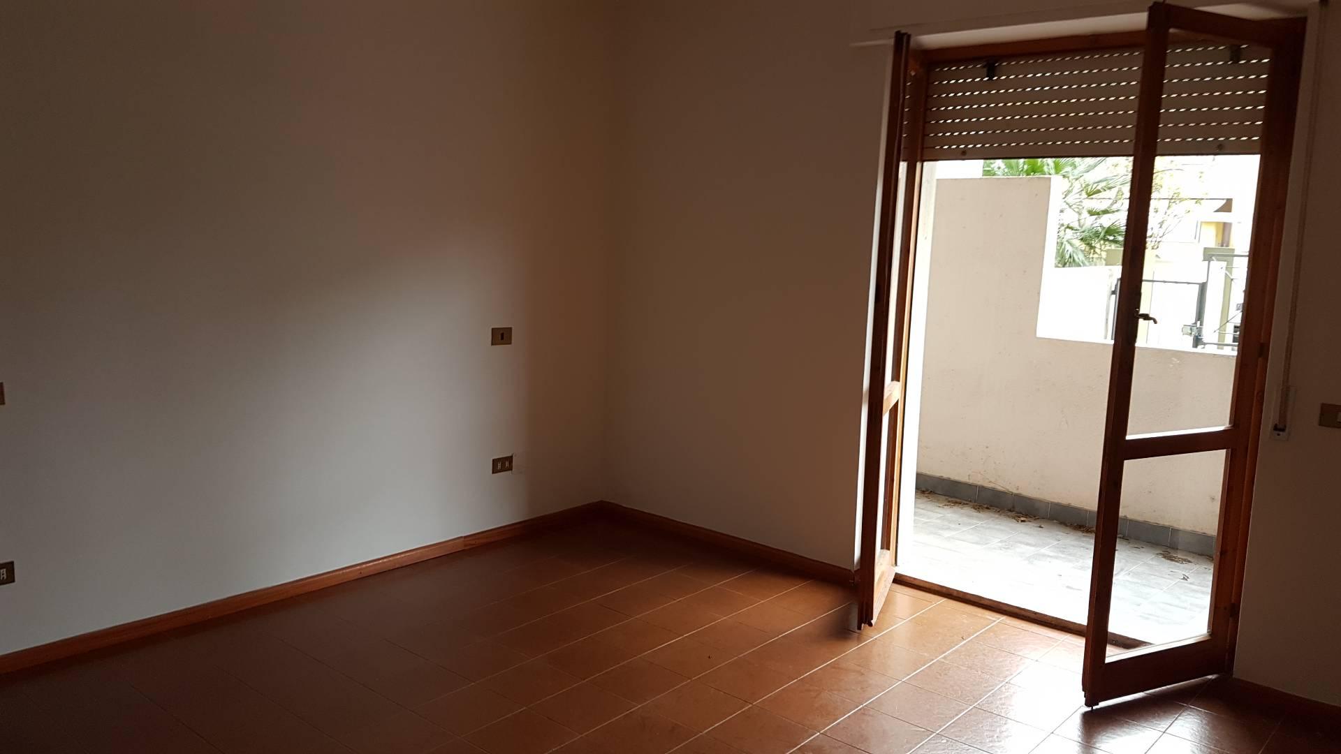 Appartamento in affitto a Quartu Sant'Elena, 4 locali, zona Località: PitzeSerra, prezzo € 650 | Cambio Casa.it