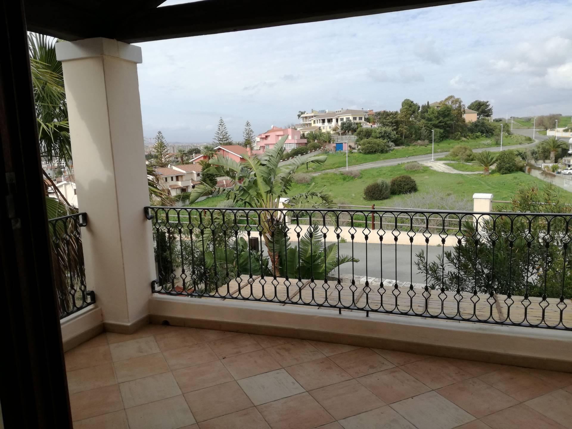 Villa a Schiera in affitto a Quartu Sant'Elena, 2 locali, prezzo € 800 | Cambio Casa.it