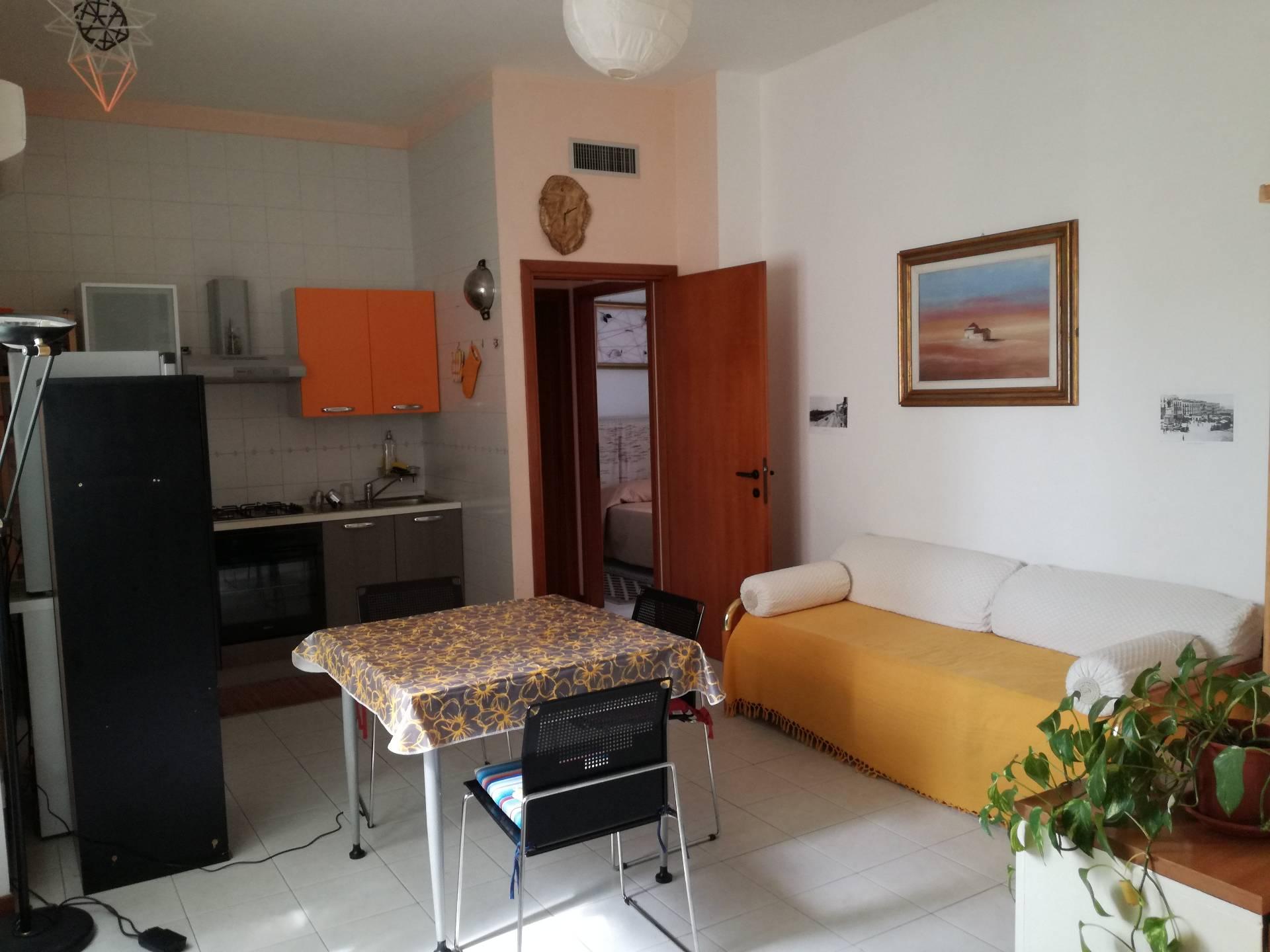 Appartamento in affitto a Cagliari, 2 locali, zona Zona: Marina, prezzo € 550   Cambio Casa.it