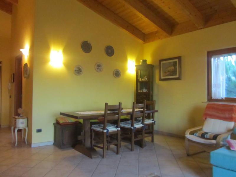 Villa in vendita a Colonnella, 5 locali, prezzo € 300.000 | Cambio Casa.it