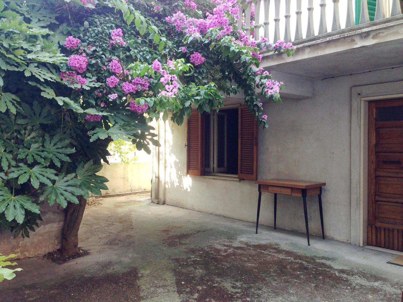 Soluzione Indipendente in vendita a Martinsicuro, 9 locali, prezzo € 98.000 | Cambio Casa.it