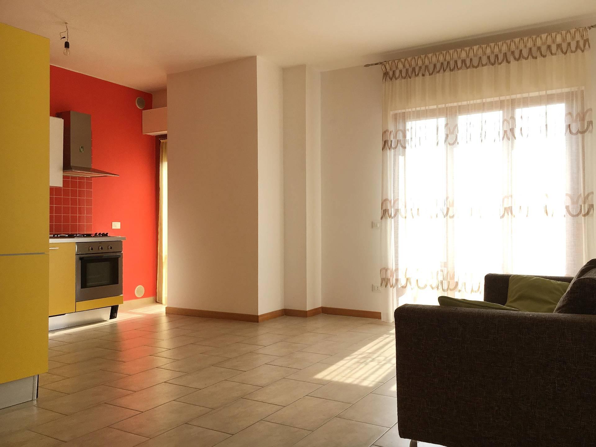 Appartamento in vendita a Sant'Egidio alla Vibrata, 3 locali, prezzo € 77.000 | Cambio Casa.it