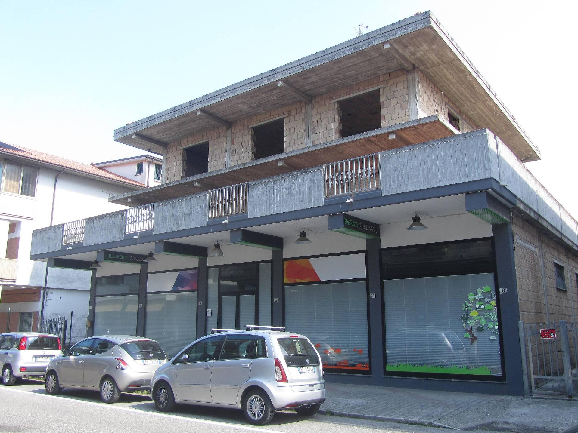 Soluzione Indipendente in vendita a Martinsicuro, 6 locali, prezzo € 350.000 | Cambio Casa.it