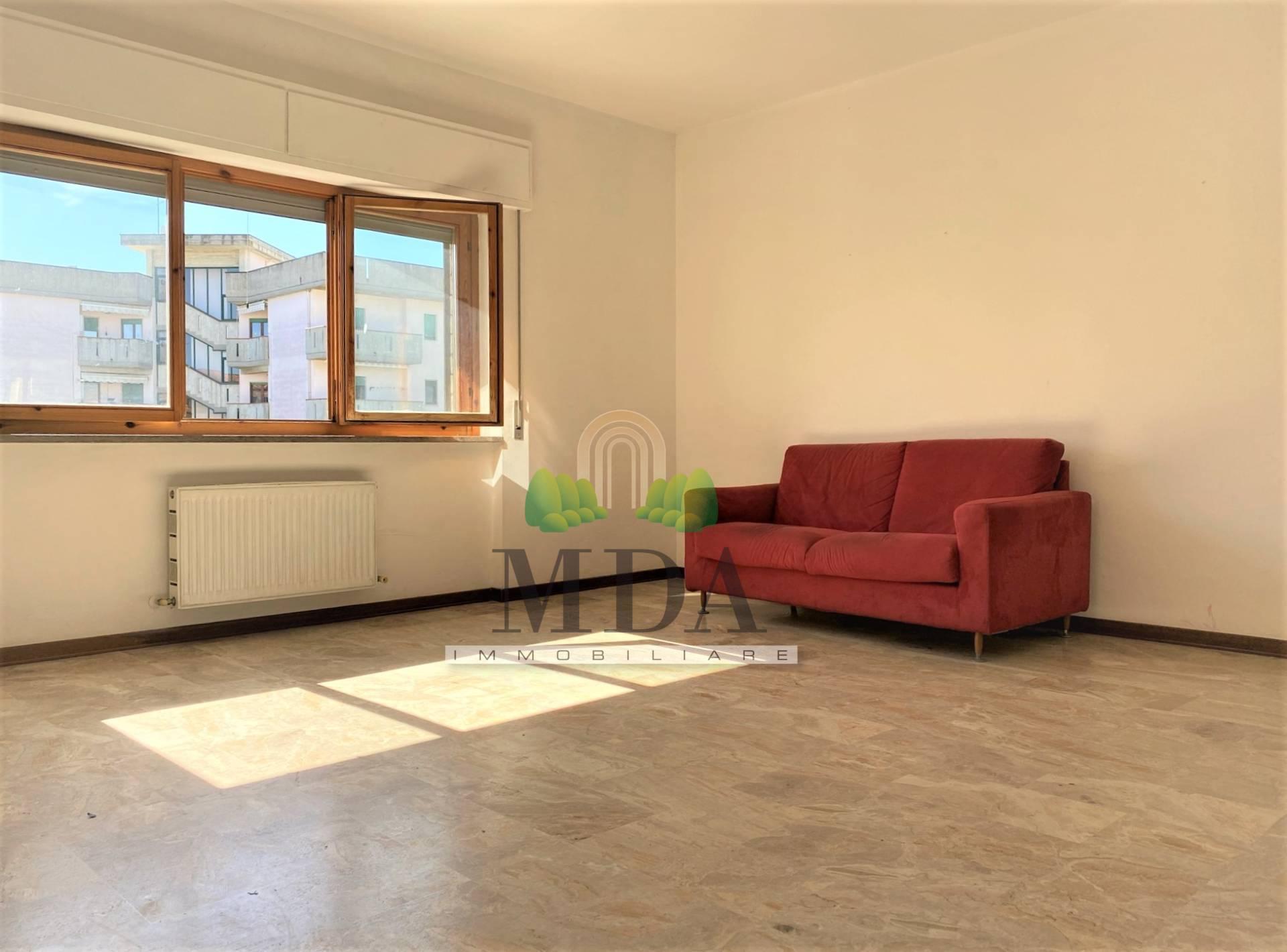 Appartamento in vendita a Sant'Omero, 5 locali, zona Località: Garrufo, prezzo € 68.000   PortaleAgenzieImmobiliari.it