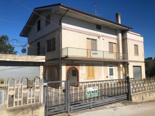 Casa singola in Vendita a Nereto