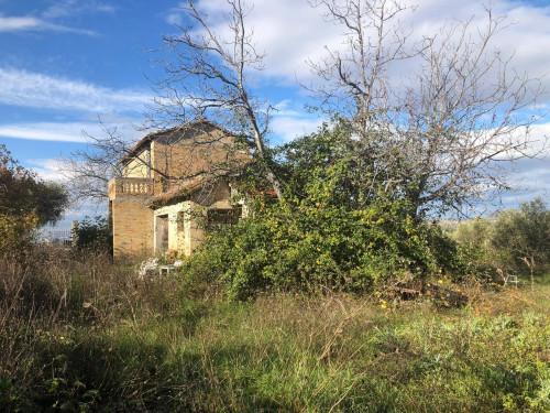 Casa singola in Vendita a Controguerra