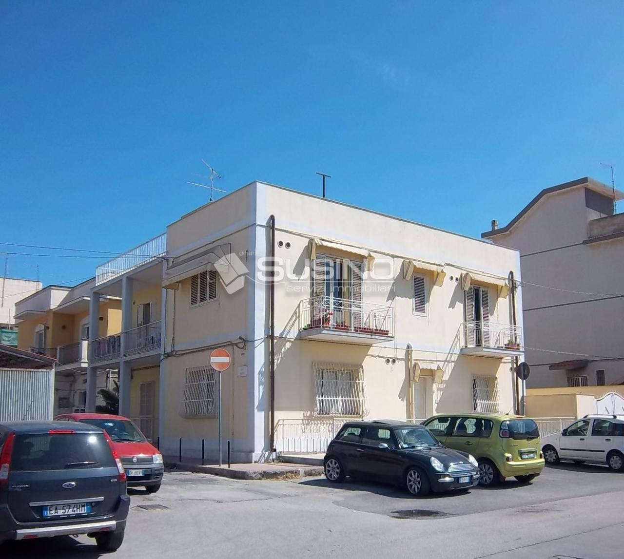 Palazzo / Stabile in vendita a Siracusa, 10 locali, zona Località: S.aPanagia, Trattative riservate | Cambio Casa.it