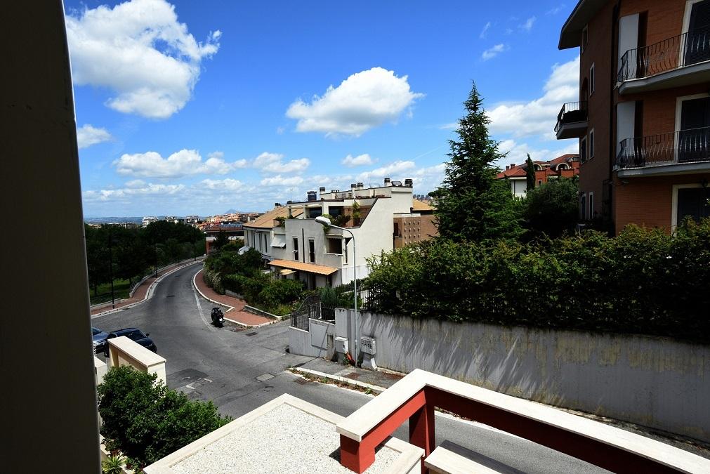 Bilocale Monterotondo Via Frati Crociferi 6