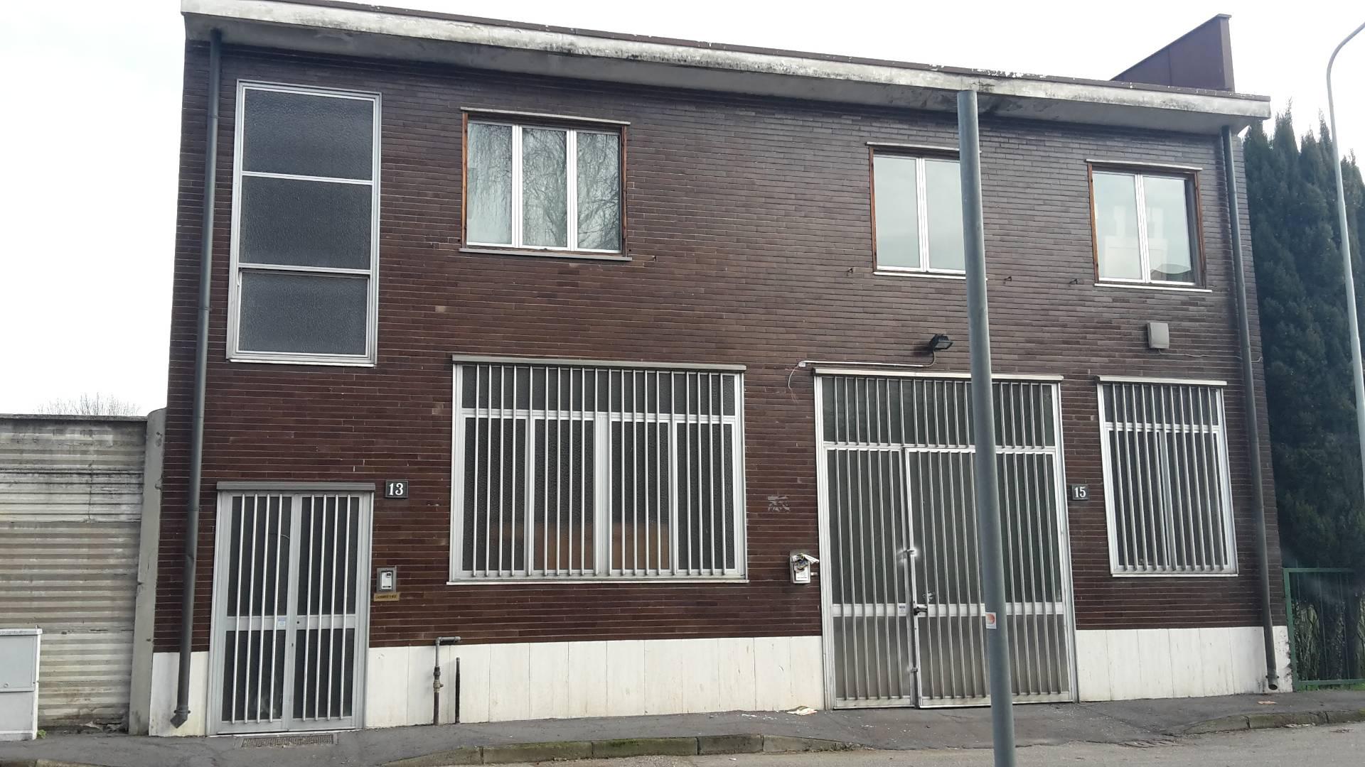 Soluzione Indipendente in vendita a Trezzano sul Naviglio, 6 locali, prezzo € 350.000 | Cambio Casa.it