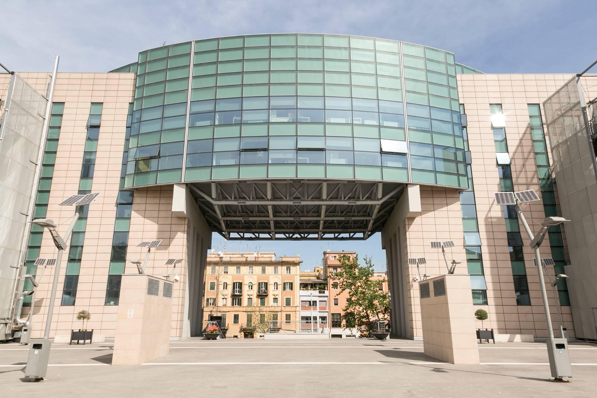 Palazzo / Stabile in vendita a Roma, 9999 locali, zona Zona: 30 . Prati, Borgo, San Pietro, prezzo € 29.525.000 | Cambio Casa.it