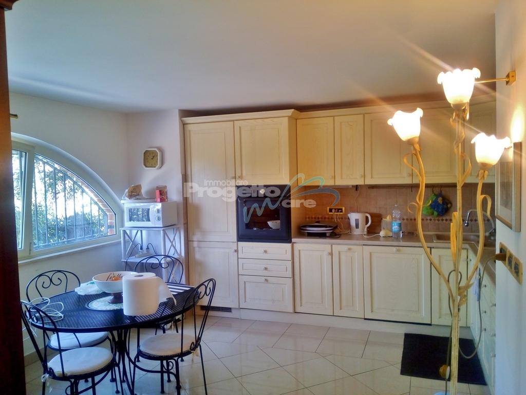 Bagni Giardino Pietra Ligure : Villa in vendita a pietra ligure cod