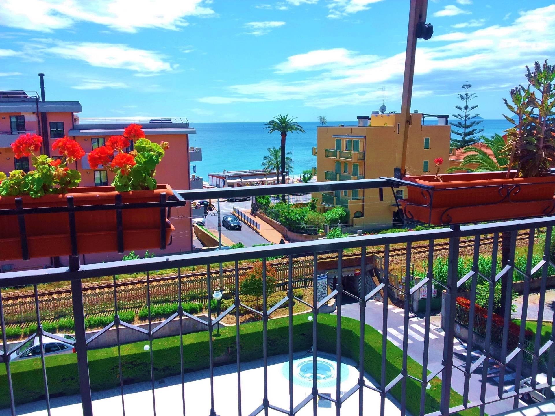 Immobile Turistico in affitto a Pietra Ligure, 4 locali, zona Località: vleRepubblica, Trattative riservate | CambioCasa.it