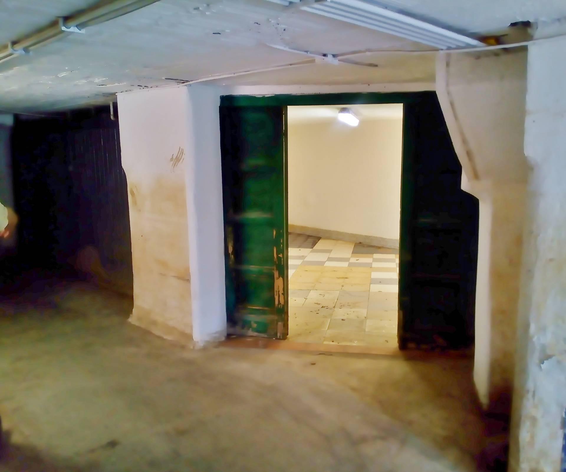 Box / Garage in vendita a Pietra Ligure, 1 locali, zona Località: lungofiume, prezzo € 25.000 | CambioCasa.it