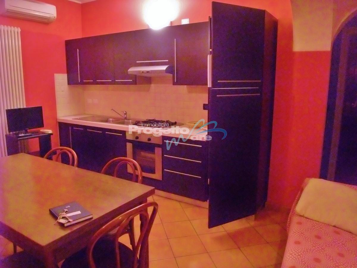 Immobile Turistico in affitto a Pietra Ligure, 3 locali, zona Località: viaComo,versoBorgioV, Trattative riservate | CambioCasa.it