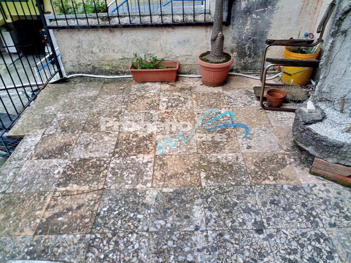 Rustico / Casale in vendita a Tovo San Giacomo, 8 locali, zona Zona: Brunate, prezzo € 105.000 | CambioCasa.it