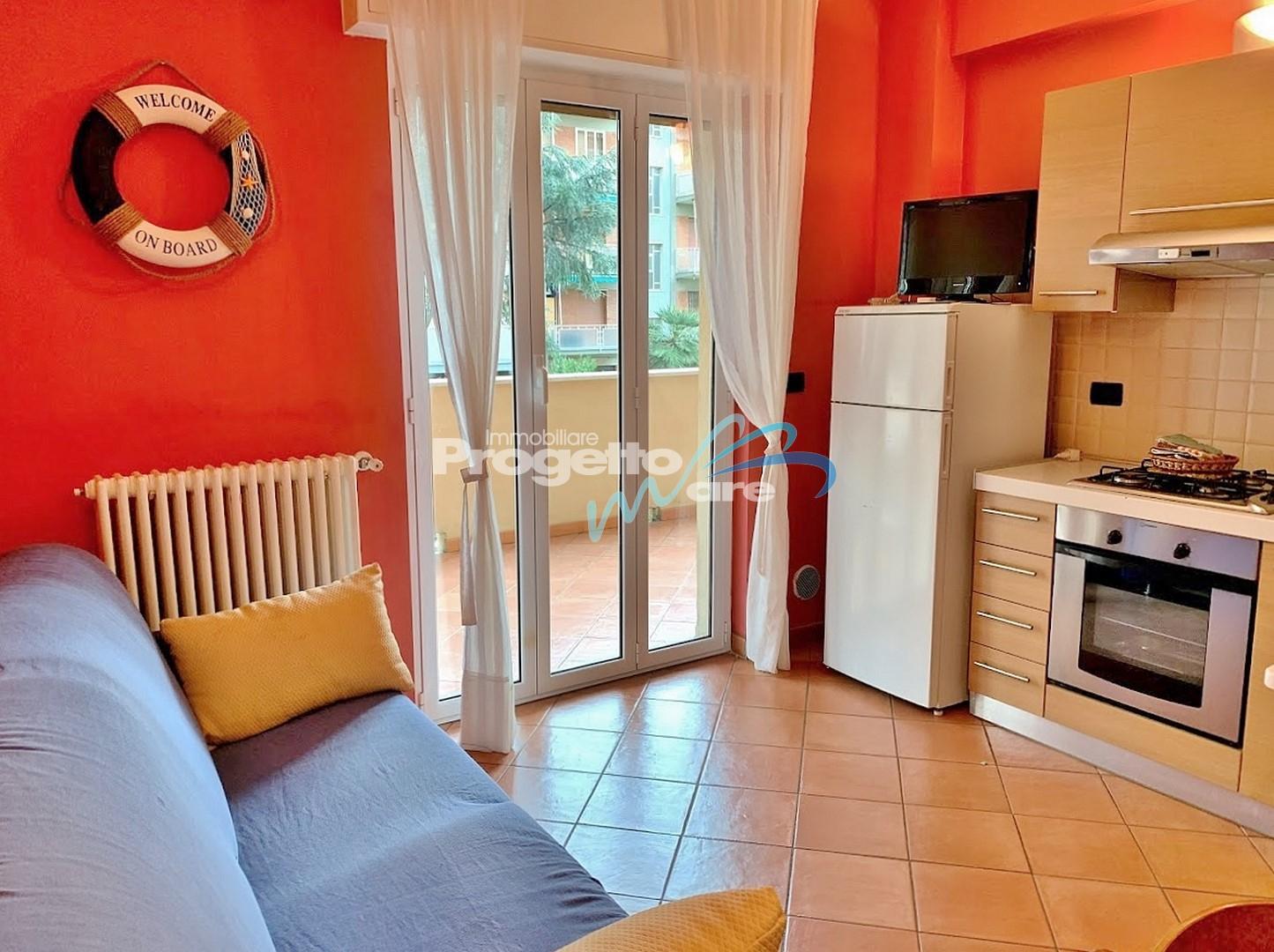 Immobile Turistico in affitto a Pietra Ligure, 2 locali, zona Località: viaComo,versoBorgioV, Trattative riservate | CambioCasa.it