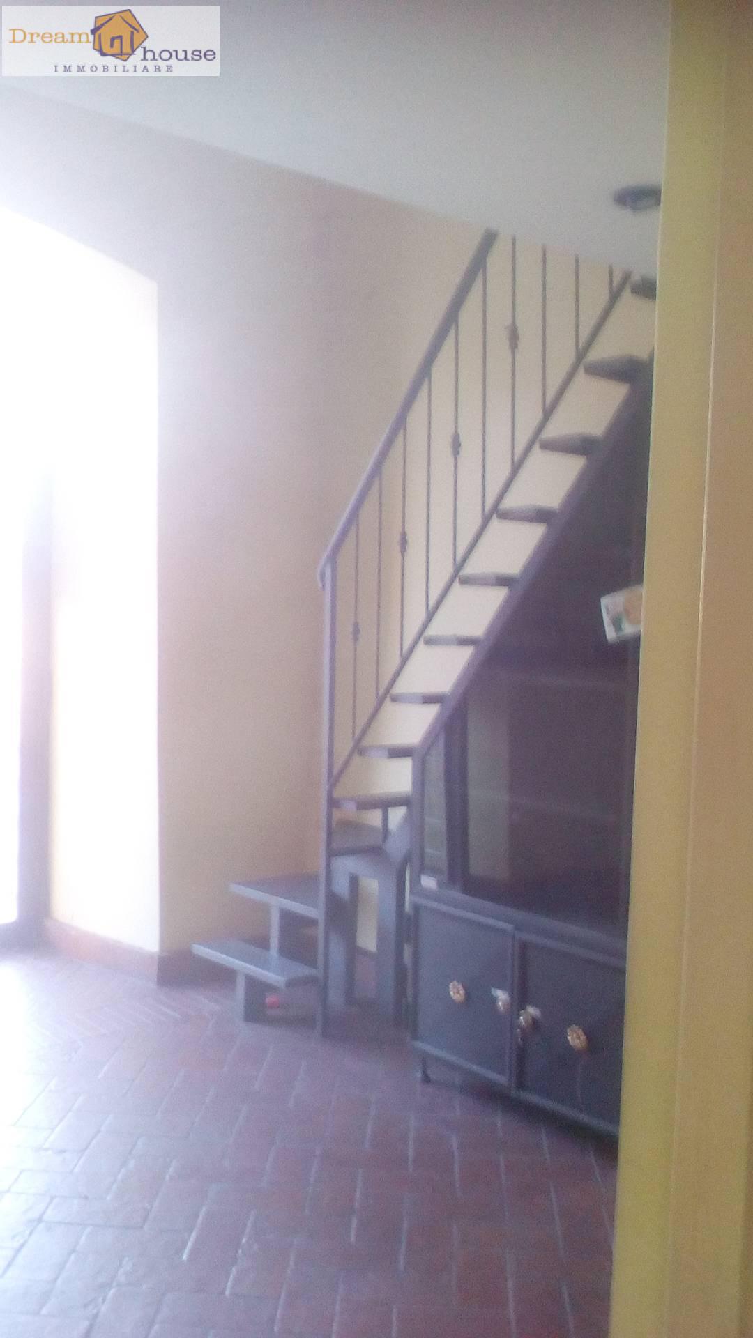 Negozio / Locale in affitto a Genzano di Roma, 9999 locali, prezzo € 450 | CambioCasa.it