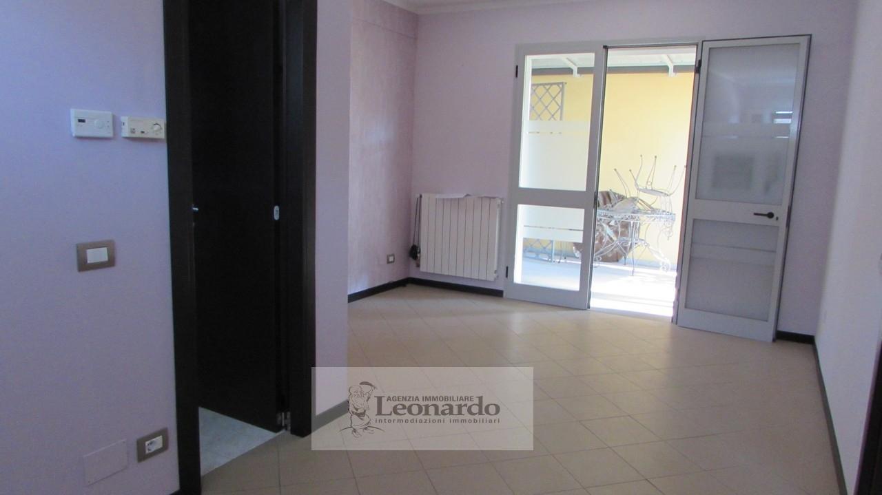 Ufficio / Studio in vendita a Viareggio, 9999 locali, zona Località: Darsena, prezzo € 120.000 | Cambio Casa.it