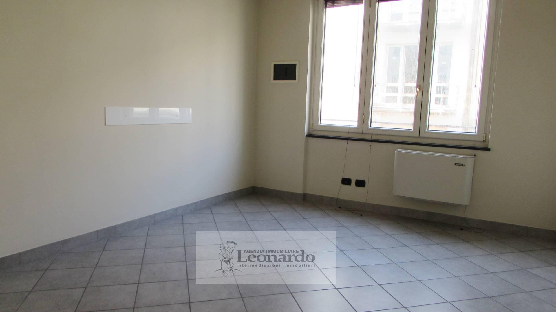 Ufficio / Studio in vendita a Viareggio, 4 locali, zona Località: Centro, prezzo € 155.000 | Cambio Casa.it