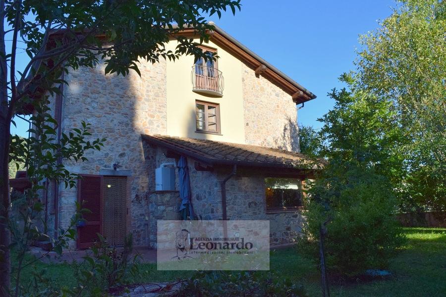 Rustico / Casale in vendita a Camaiore, 7 locali, prezzo € 395.000 | Cambio Casa.it