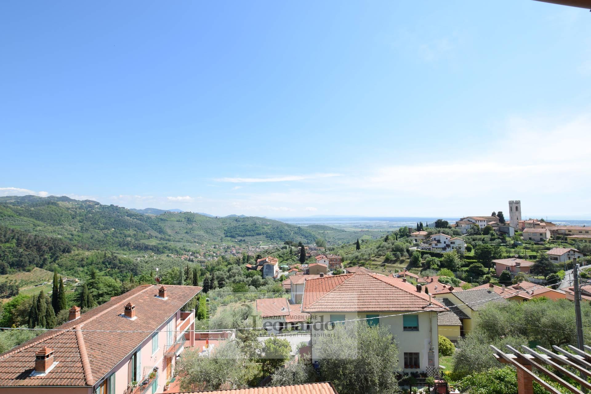 Soluzione Indipendente in vendita a Massarosa, 5 locali, zona Zona: Bargecchia, prezzo € 170.000 | Cambio Casa.it