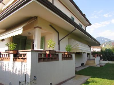 Casa indipendente in Vendita a Camaiore