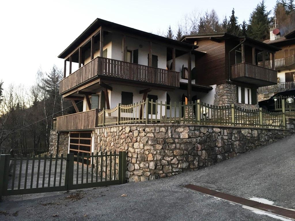 Villa in vendita a Aviatico, 5 locali, prezzo € 299.000 | CambioCasa.it