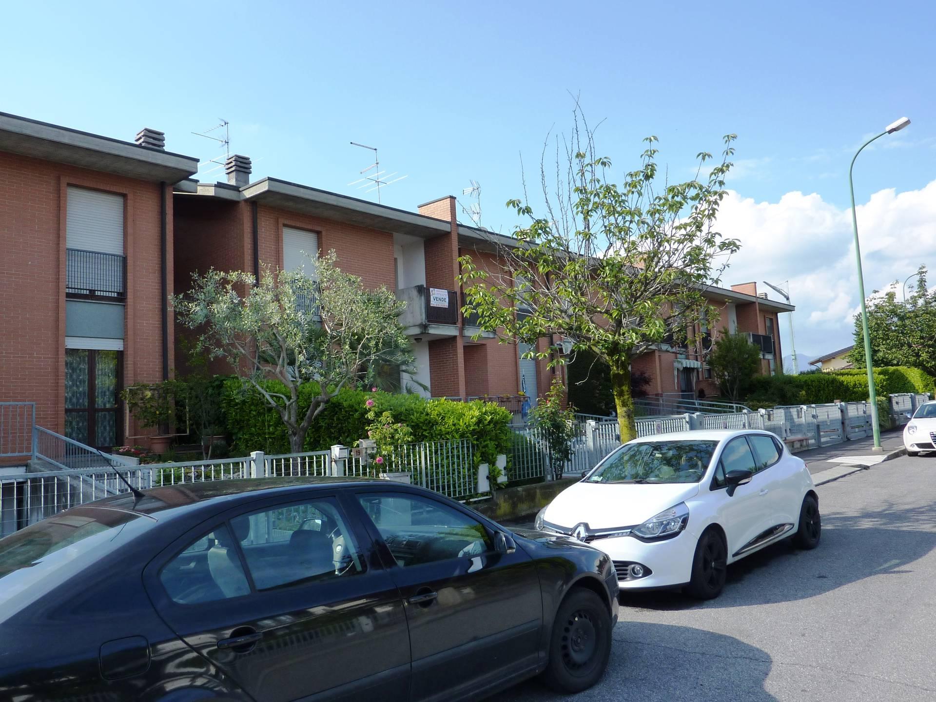 Villa a Schiera in vendita a Calcinate, 6 locali, prezzo € 195.000 | CambioCasa.it