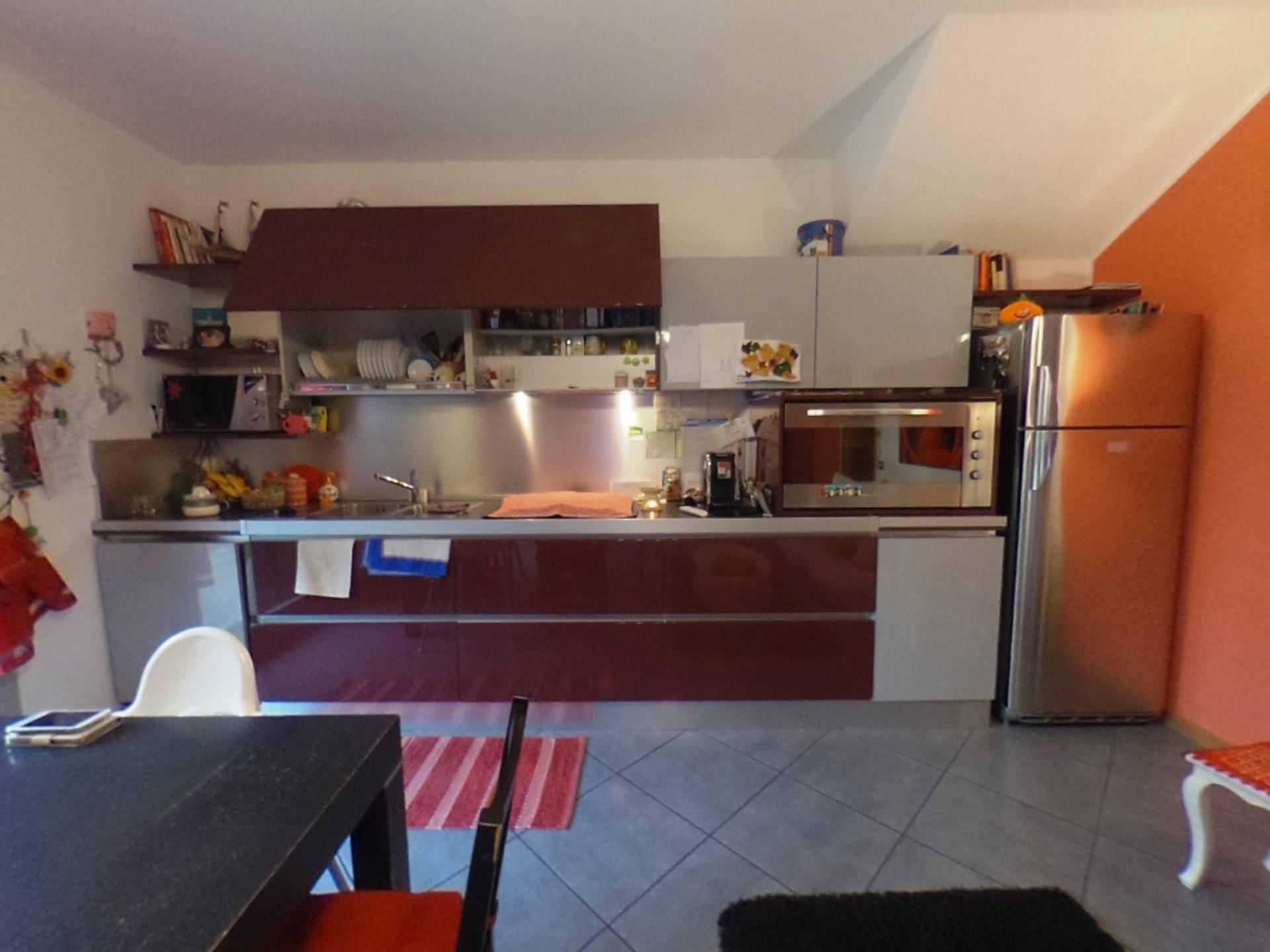 Appartamento in vendita a Stezzano, 3 locali, prezzo € 149.000 | CambioCasa.it