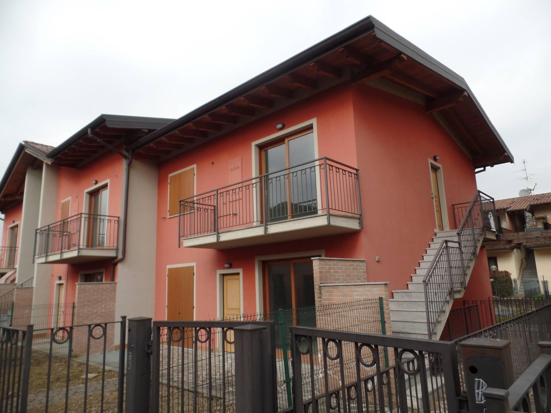 Appartamento in vendita a Cavernago, 4 locali, prezzo € 137.000 | CambioCasa.it