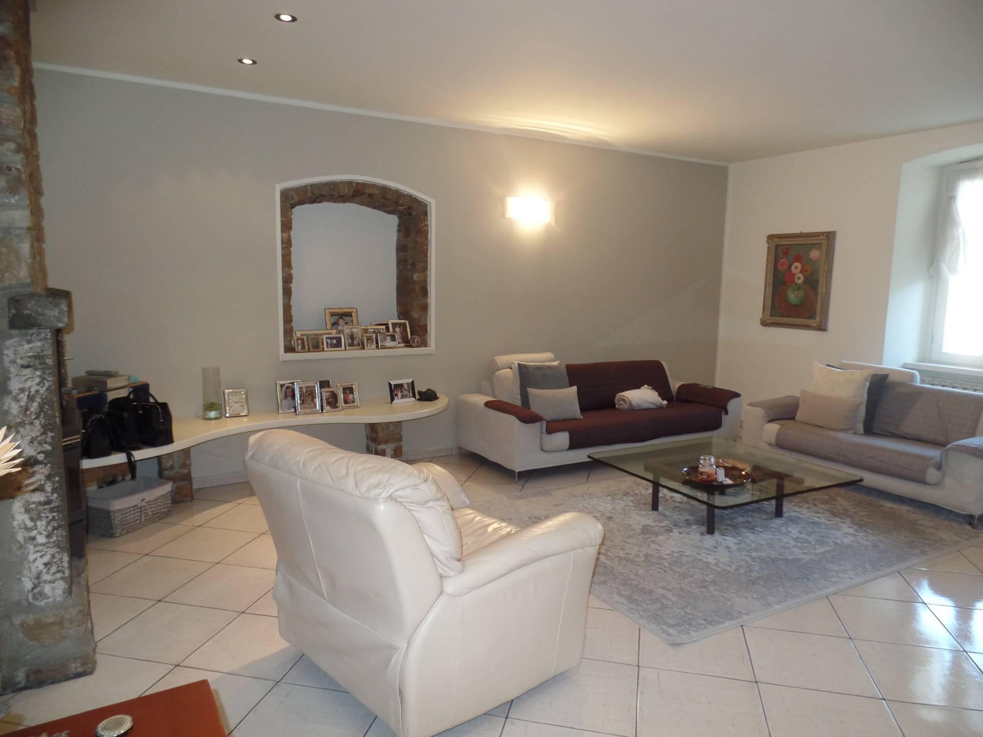 Soluzione Indipendente in vendita a Costa di Mezzate, 5 locali, prezzo € 260.000 | CambioCasa.it