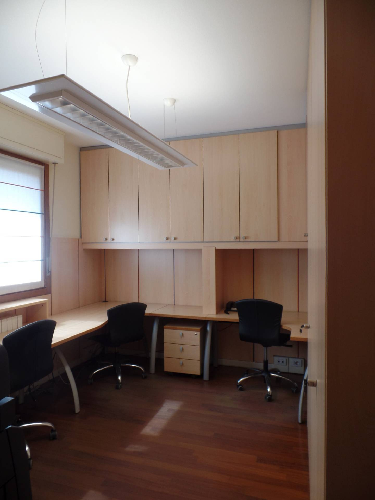 Ufficio / Studio in affitto a Seriate, 9999 locali, prezzo € 1.000 | CambioCasa.it