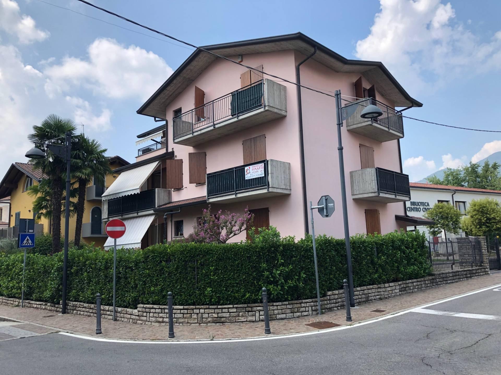 Appartamento in vendita a Cenate Sotto, 4 locali, prezzo € 155.000 | CambioCasa.it