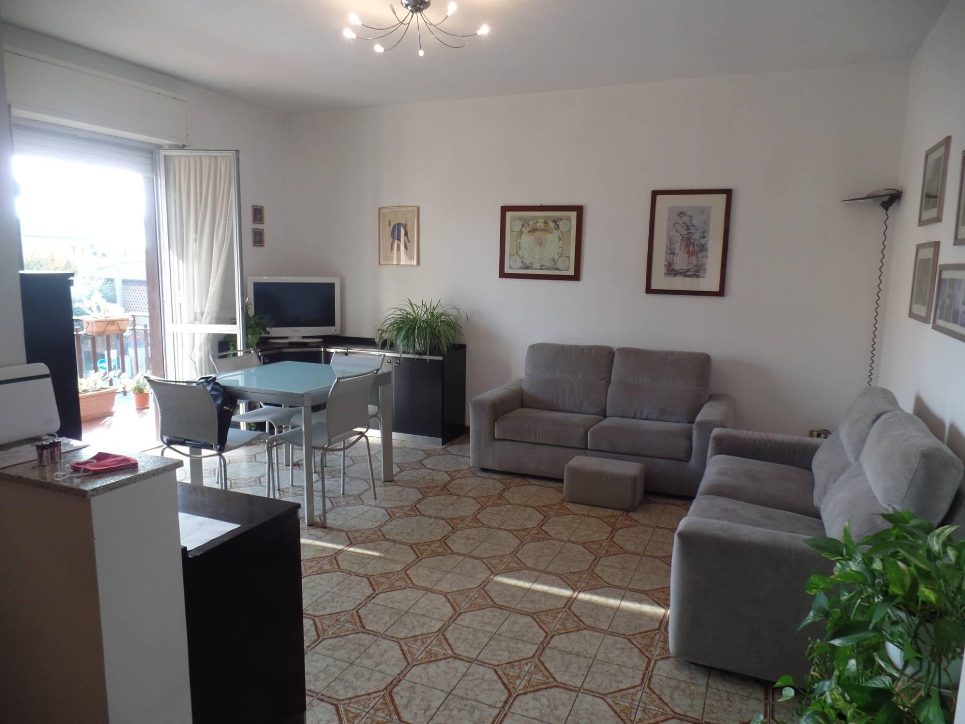 Appartamento in vendita a Grumello del Monte, 3 locali, prezzo € 129.000 | CambioCasa.it