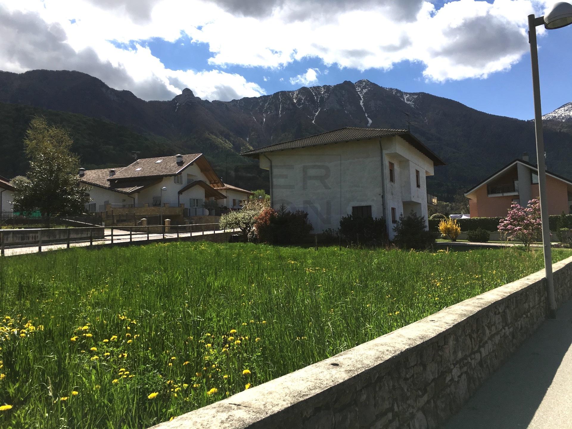 Villa in vendita a Cavedine, 10 locali, zona Località: VigoCavedine, prezzo € 385.000 | Cambio Casa.it