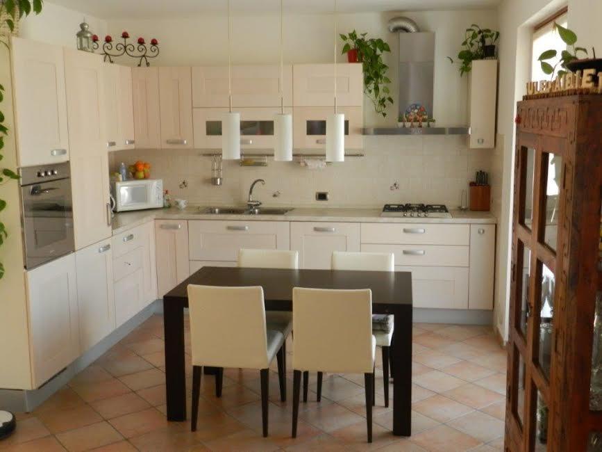 Appartamento in vendita a Mori, 4 locali, prezzo € 210.000   CambioCasa.it