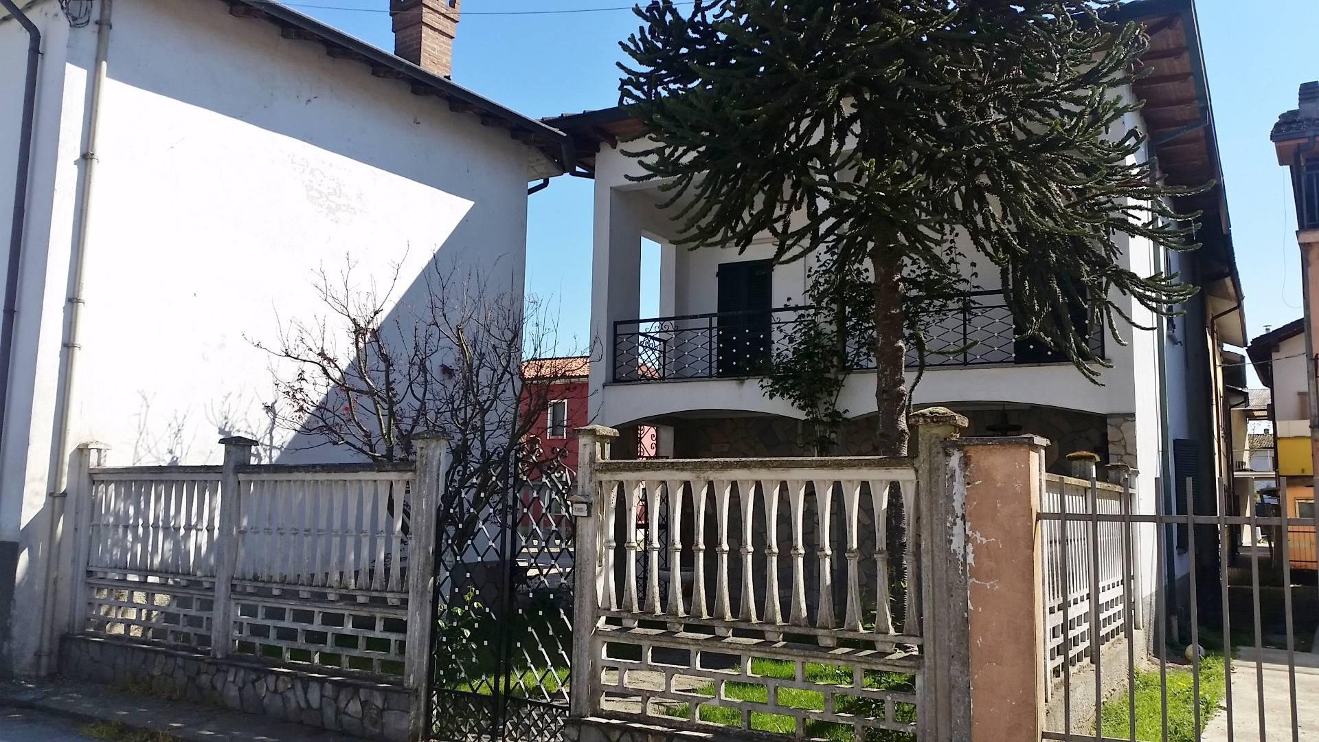 Villa a Schiera in Vendita a Lungavilla