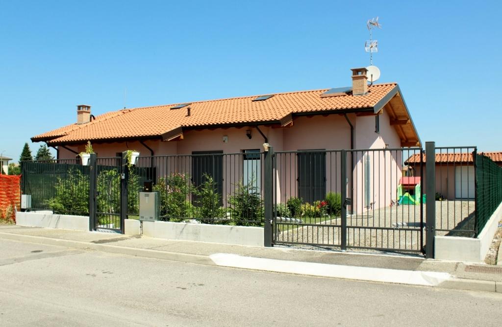 Villa Bifamiliare in Vendita a Bressana Bottarone