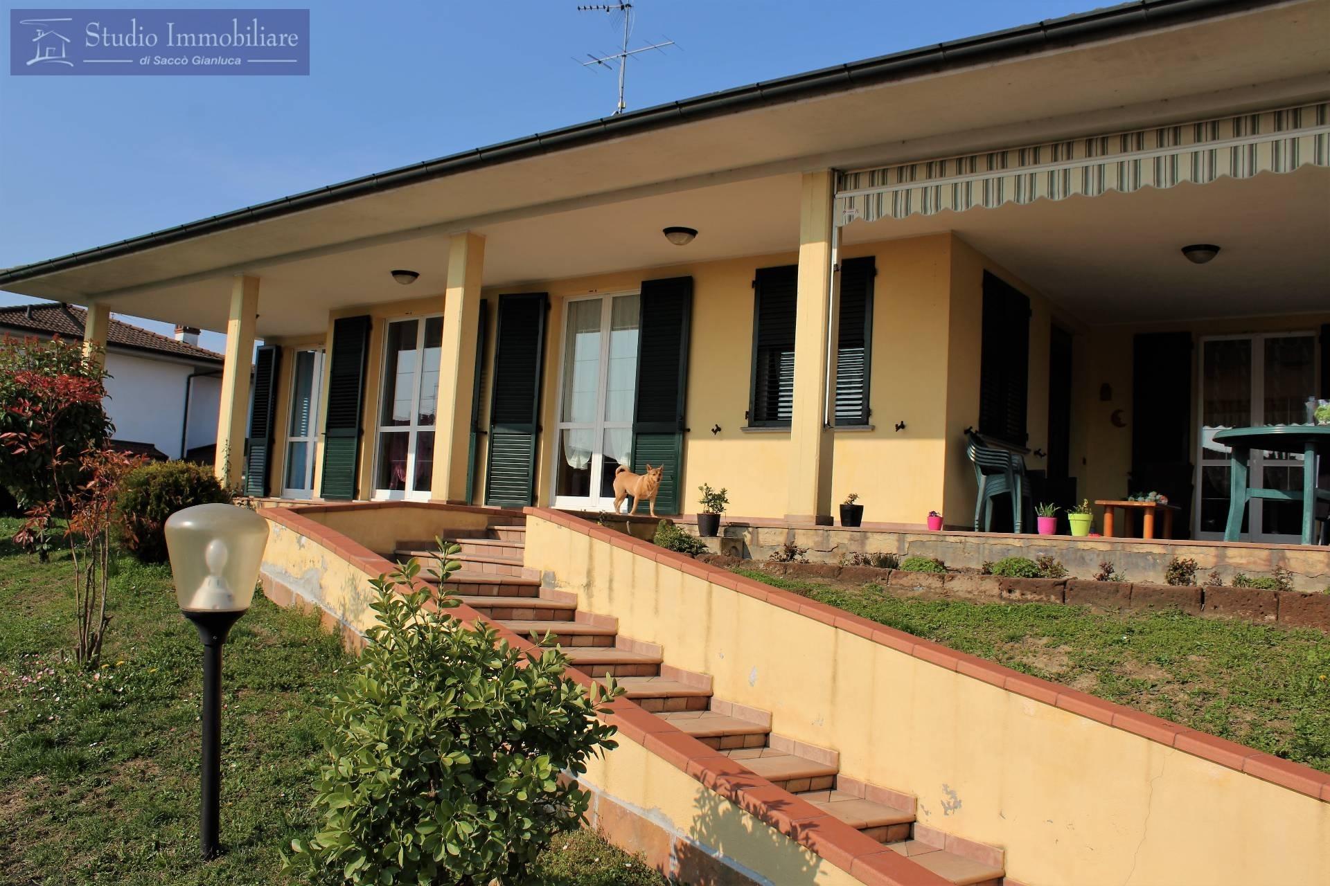 Villa in vendita a Pinarolo Po, 4 locali, prezzo € 260.000 | CambioCasa.it