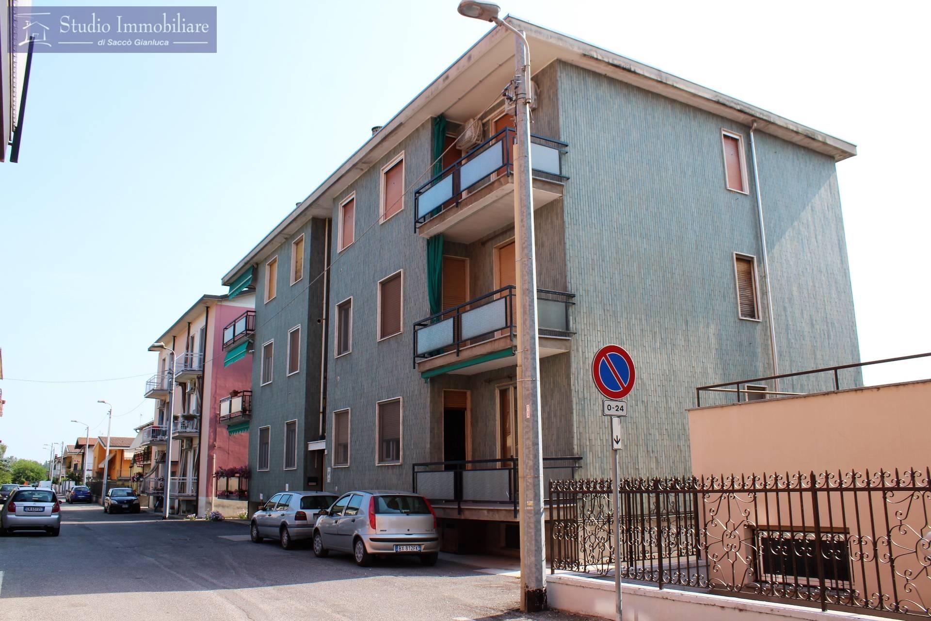 Appartamento in vendita a Bressana Bottarone, 3 locali, prezzo € 49.000 | CambioCasa.it