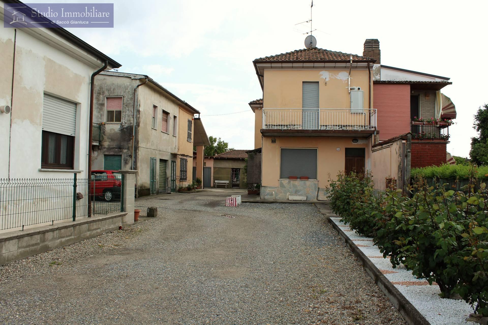 Rustico / Casale in vendita a Lungavilla, 3 locali, prezzo € 65.000 | CambioCasa.it