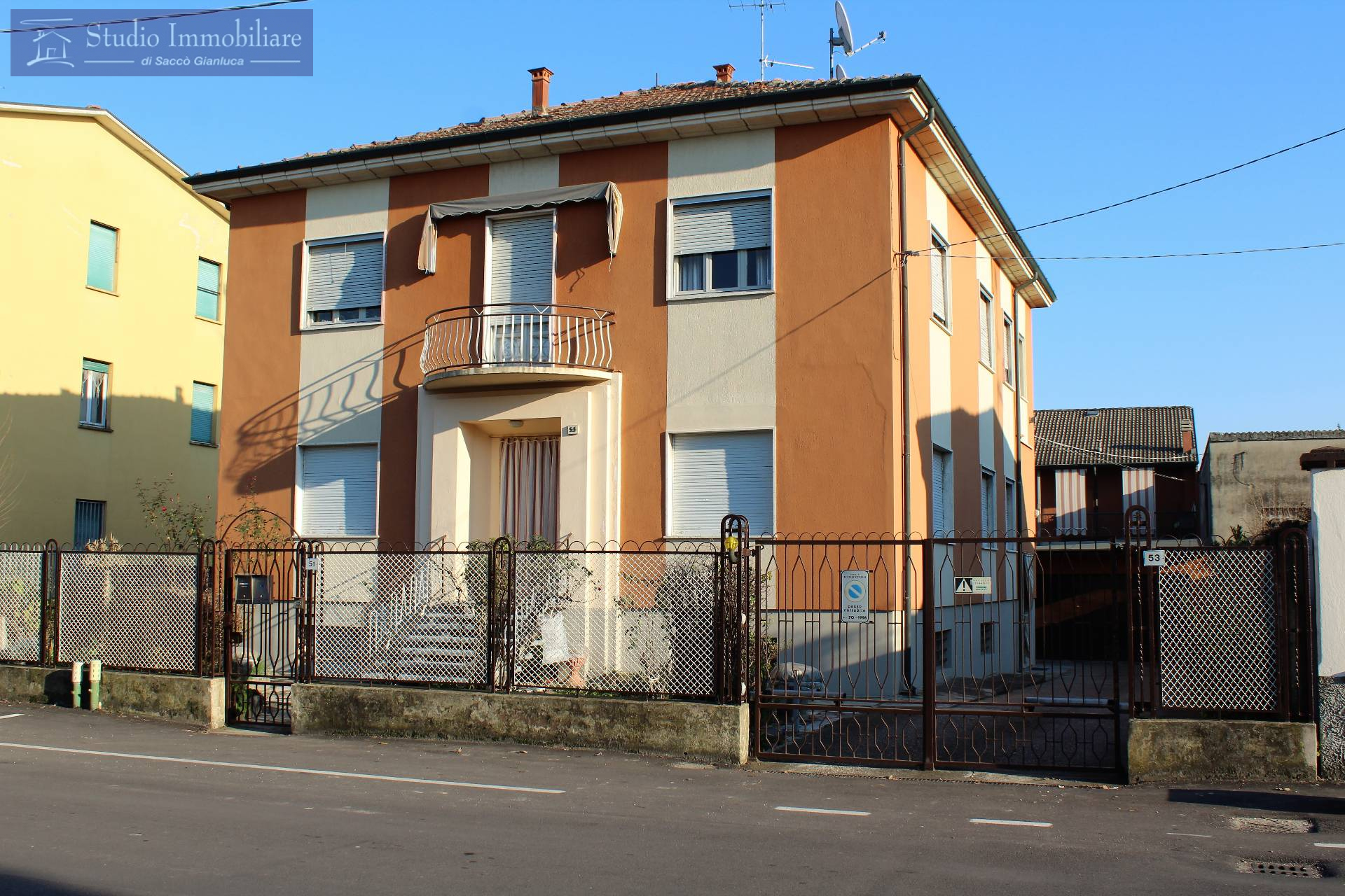 Villa Bifamiliare in vendita a Bressana Bottarone, 3 locali, prezzo € 75.000 | CambioCasa.it