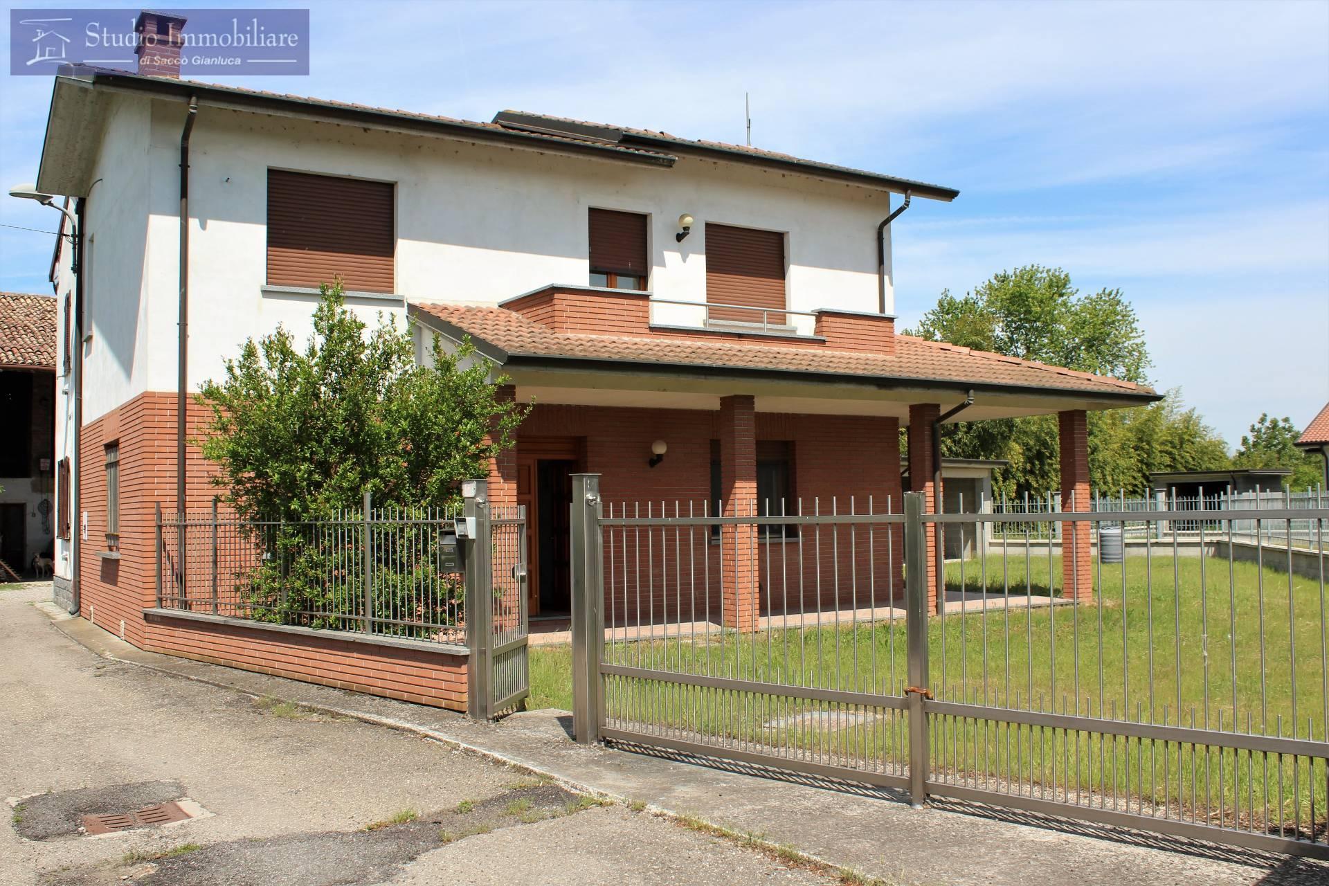 Soluzione Indipendente in vendita a Lungavilla, 4 locali, prezzo € 189.000 | CambioCasa.it