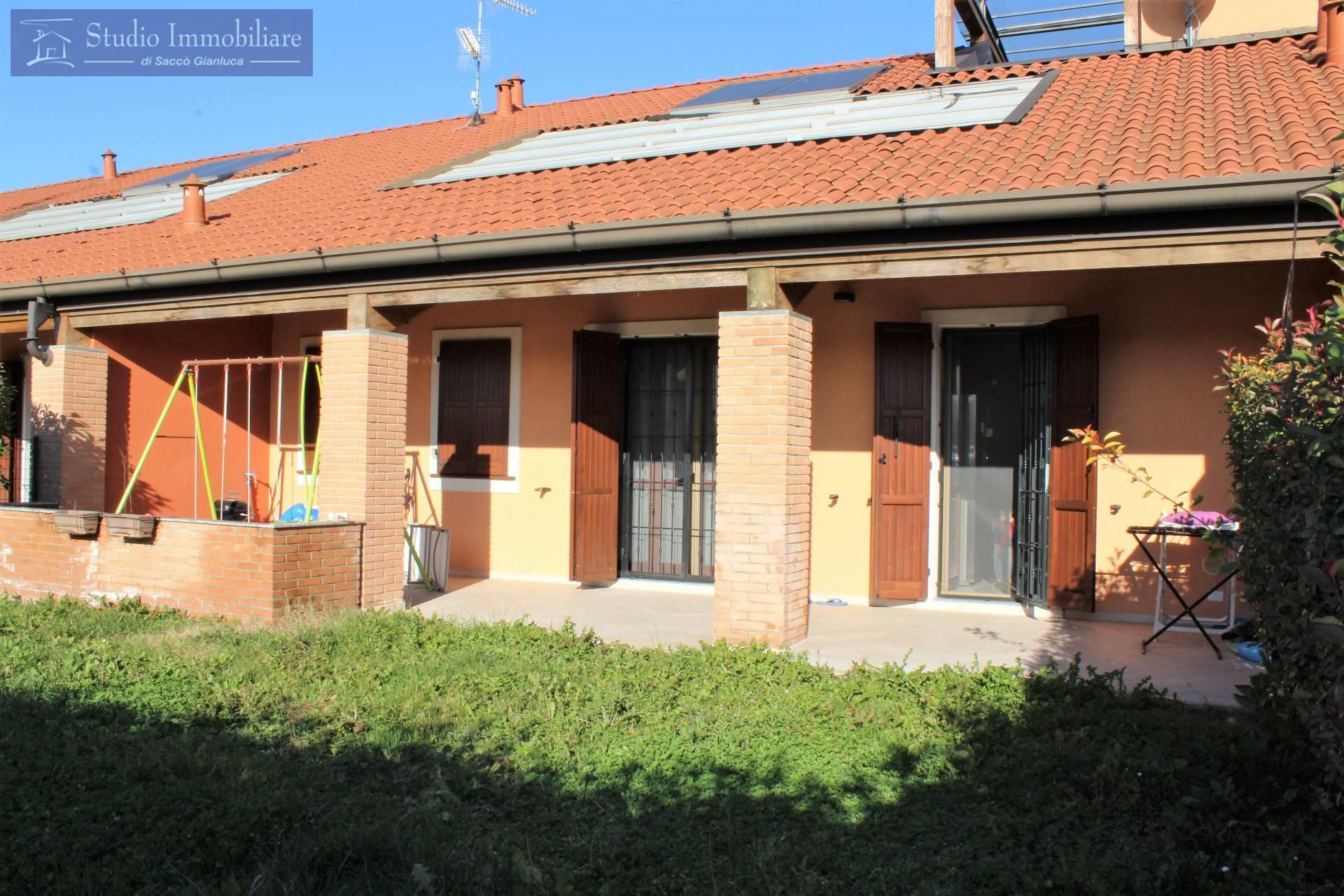 Villa a Schiera in vendita a Castelletto di Branduzzo, 6 locali, prezzo € 185.000 | CambioCasa.it