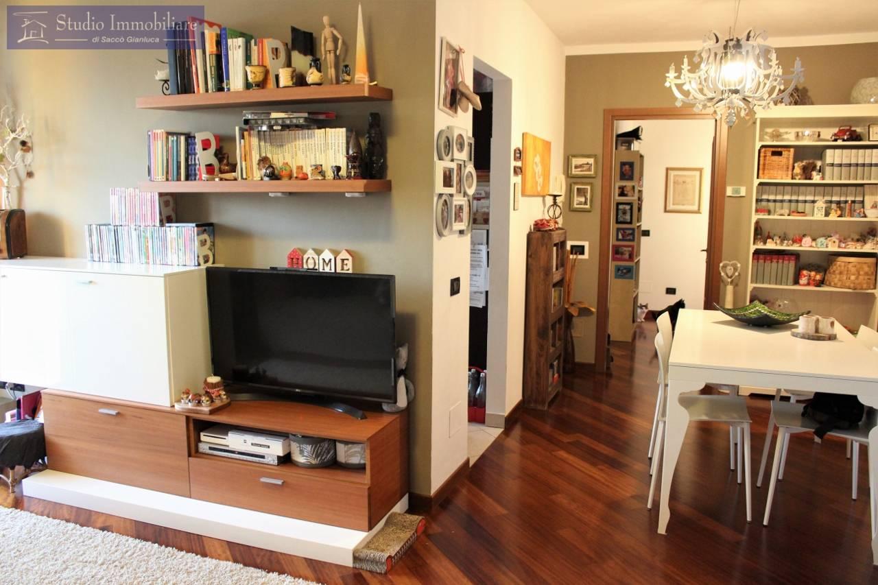 Appartamento in vendita a Cava Manara, 3 locali, prezzo € 148.000 | CambioCasa.it