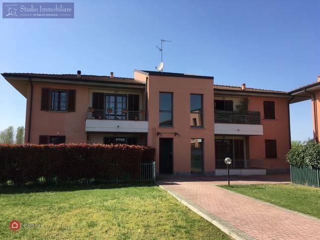 Appartamento in vendita a Travacò Siccomario, 3 locali, prezzo € 159.000 | CambioCasa.it