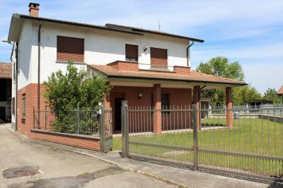 Casa indipendente in Vendita a Lungavilla