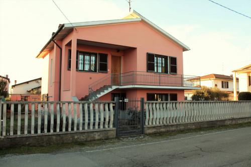 Villa Unifamigliare in Vendita a Bressana Bottarone